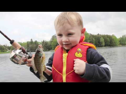 Video thumbnail for youtube video Boy Catches His First Fish