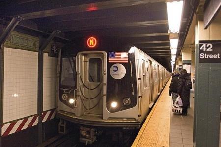 women-subway