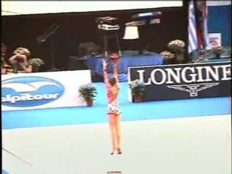 Video thumbnail for youtube video Gymnast's Amazing Ball Routine