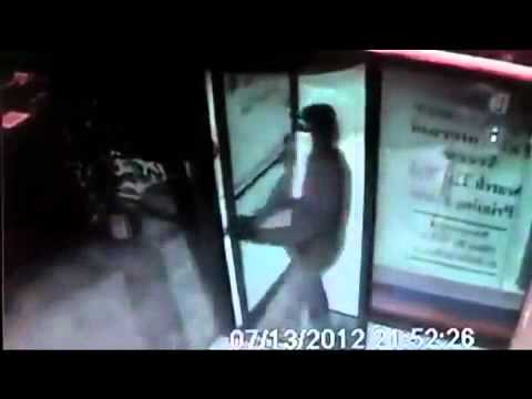 Why You Should Never Try To Rob An Internet Cafe