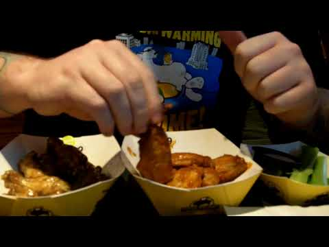 How To Eat Chicken Wings With One Hand