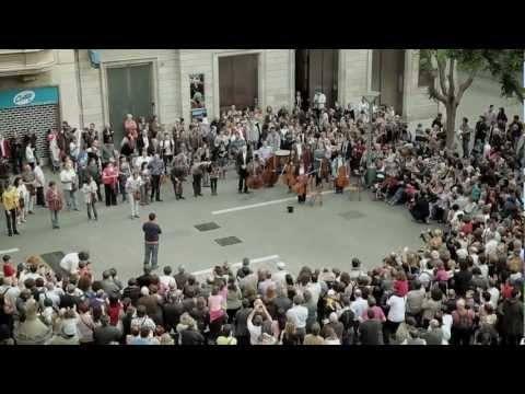 Video thumbnail for youtube video Som Sabadell Flashmob