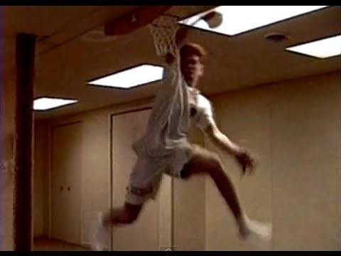 Video thumbnail for youtube video Sweet Indoor Basketball Dunks