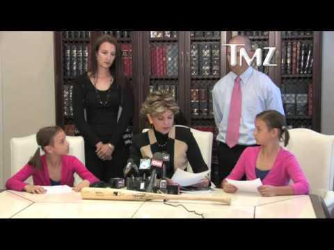 Video thumbnail for youtube video Hilariously Awkward Atlanta Braves Press Conference – PBH2