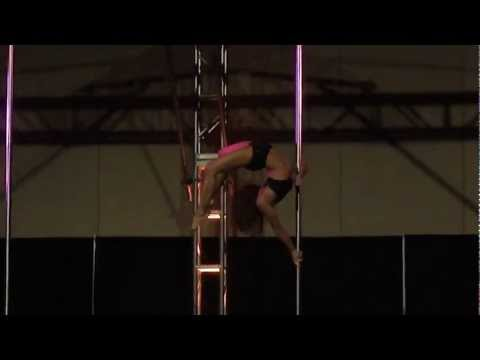 Amazing Pole Dance Routine