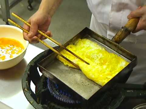 Man Makes Omelette With Only Chopsticks