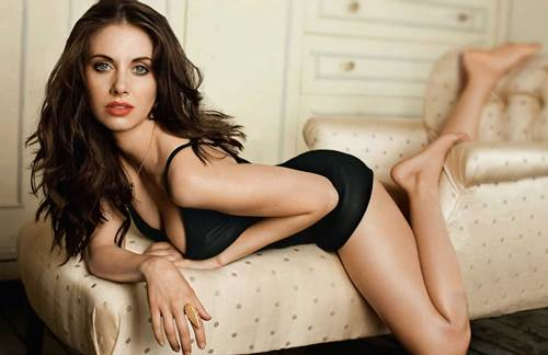 Sexiest Alison Brie GIFs