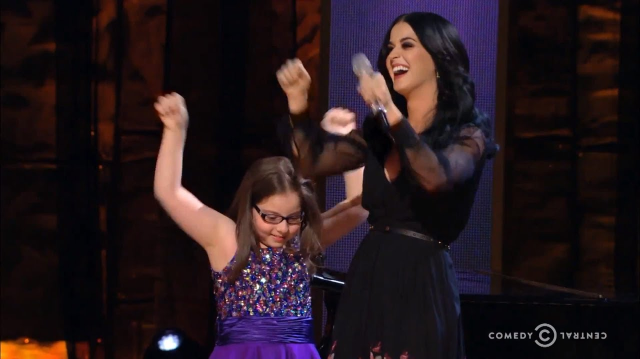 "Katy Perry Sings ""Firework"" With An Autistic Fan"