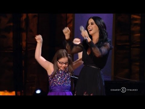 "Video thumbnail for youtube video Katy Perry Sings ""Firework"" With An Autistic Fan"
