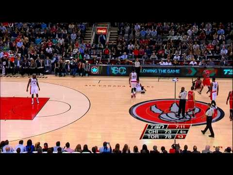 Video thumbnail for youtube video Nate Robinson's Very Crafty Jump Ball