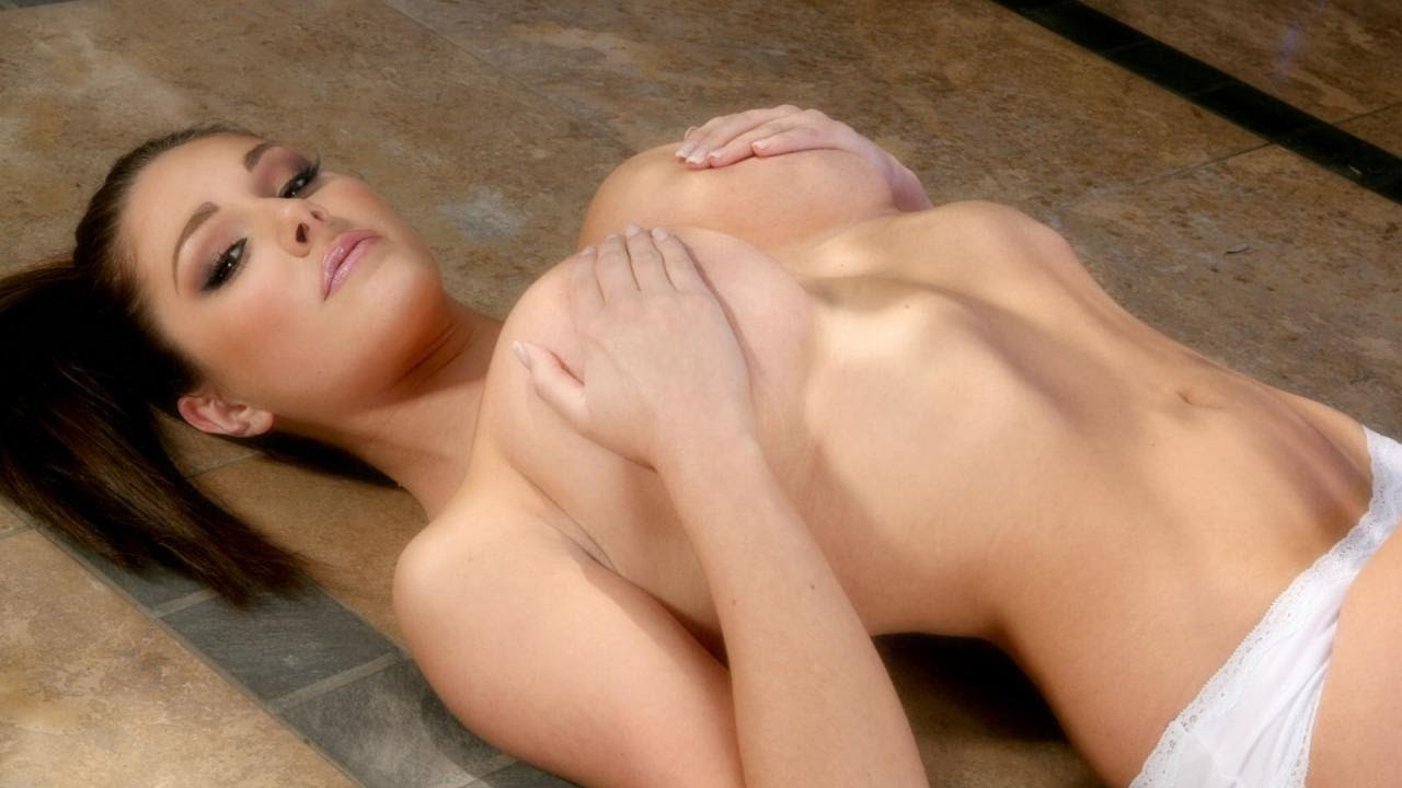 The 25 Hottest Lucy Pinder GIFs Ever