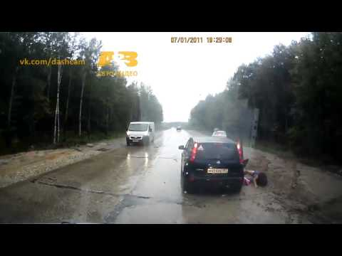 Video thumbnail for youtube video Ridiculous Close Calls In Russia