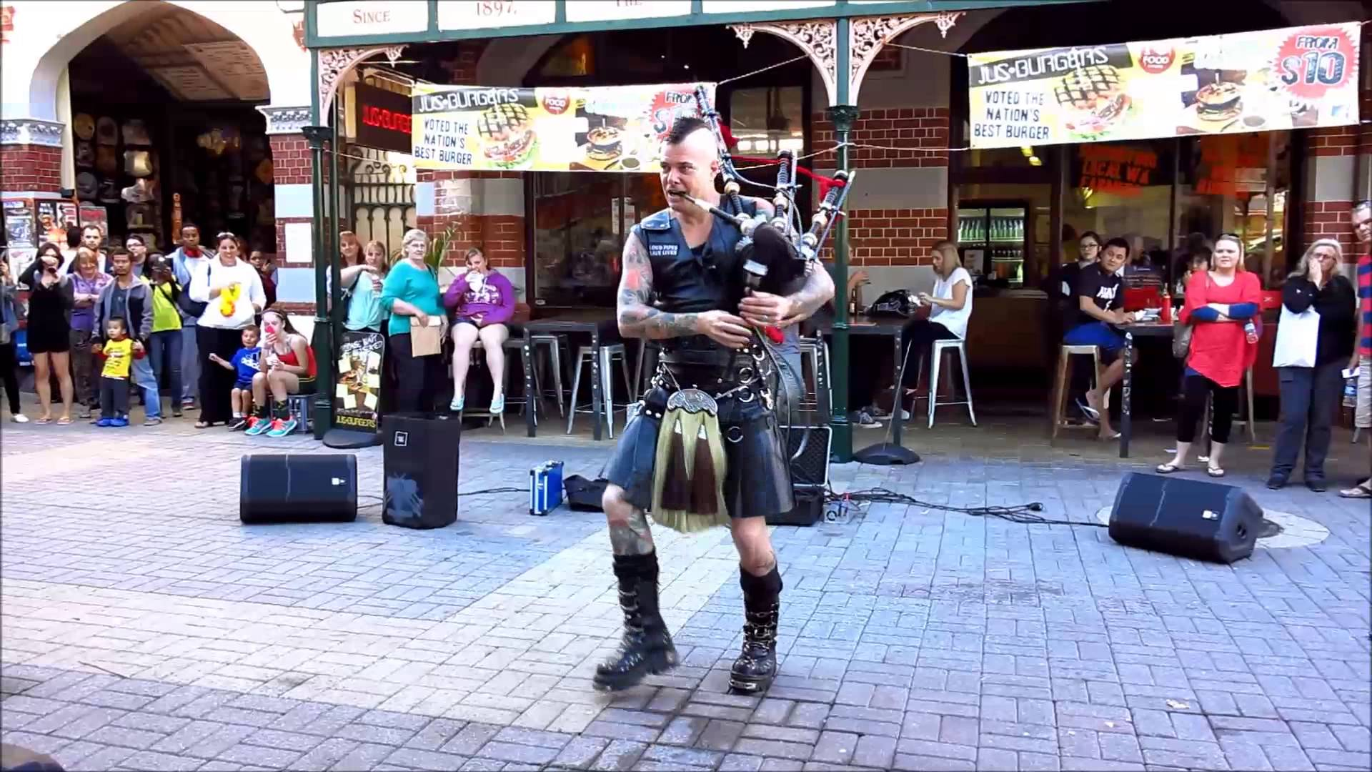 Thunderstruck, Covered On Bagpipes