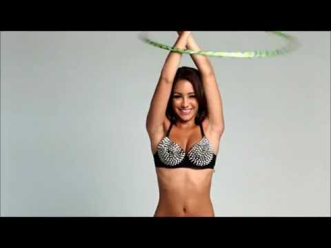 Video thumbnail for youtube video Melanie Iglesias Hula Hooping