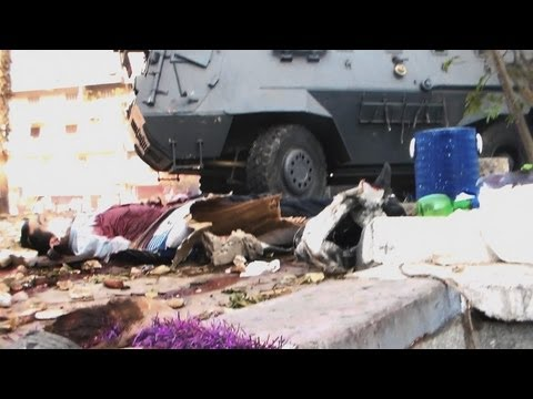 Amazing First Hand Video Of Egyptian Attacks On Protestors