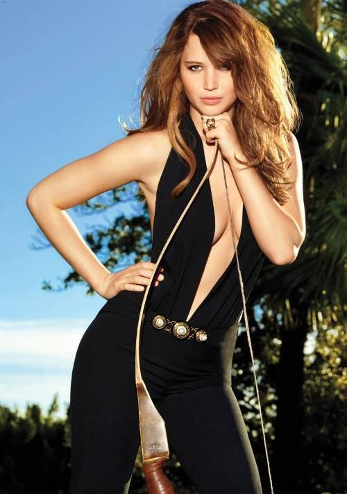 Jennifer Lawrence Wearing A Gloria V