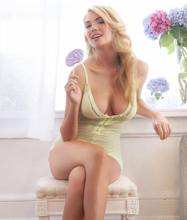 Sexiest Kate Upton Pictures Sitting With A Huge Lollipop
