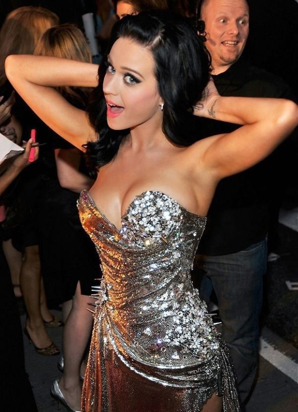 Katy Perry Stretching