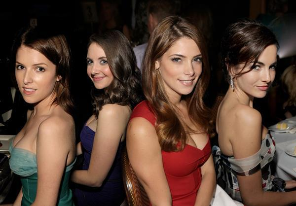 Alison Brie Anna Kendrick And Ashley Greene