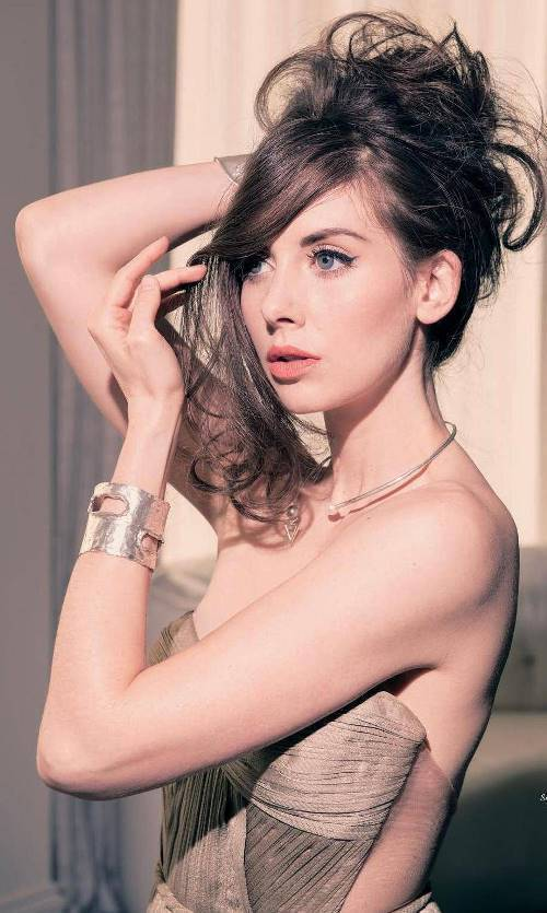 Beautiful Alison Brie Photographs