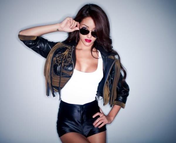 Melanie Iglesias Hot