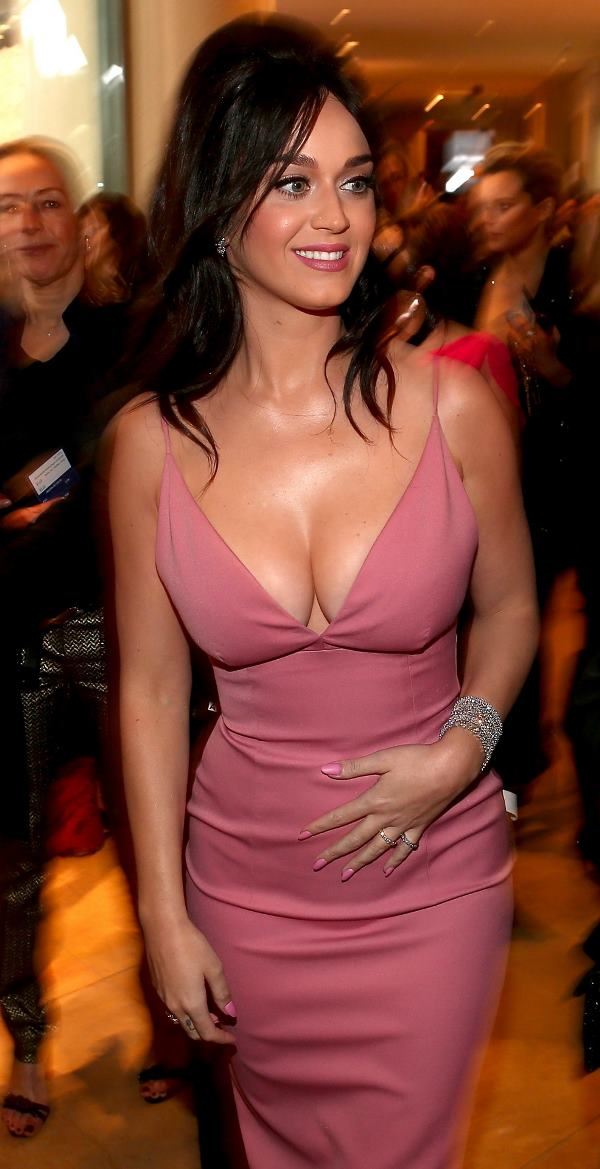 Katy Perrys Amazing Boobs