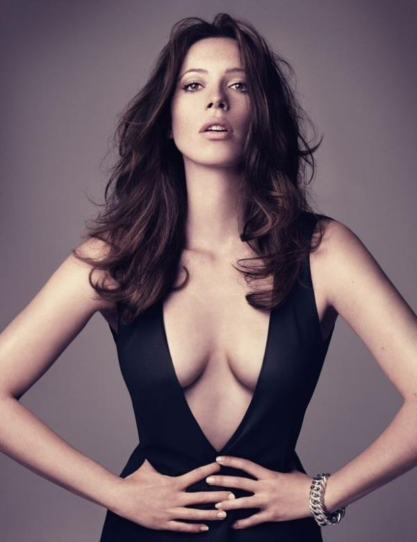 Rebecca Hall Sexy Pictures