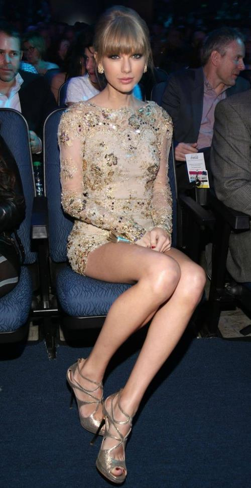Taylor Swift Hot Legs