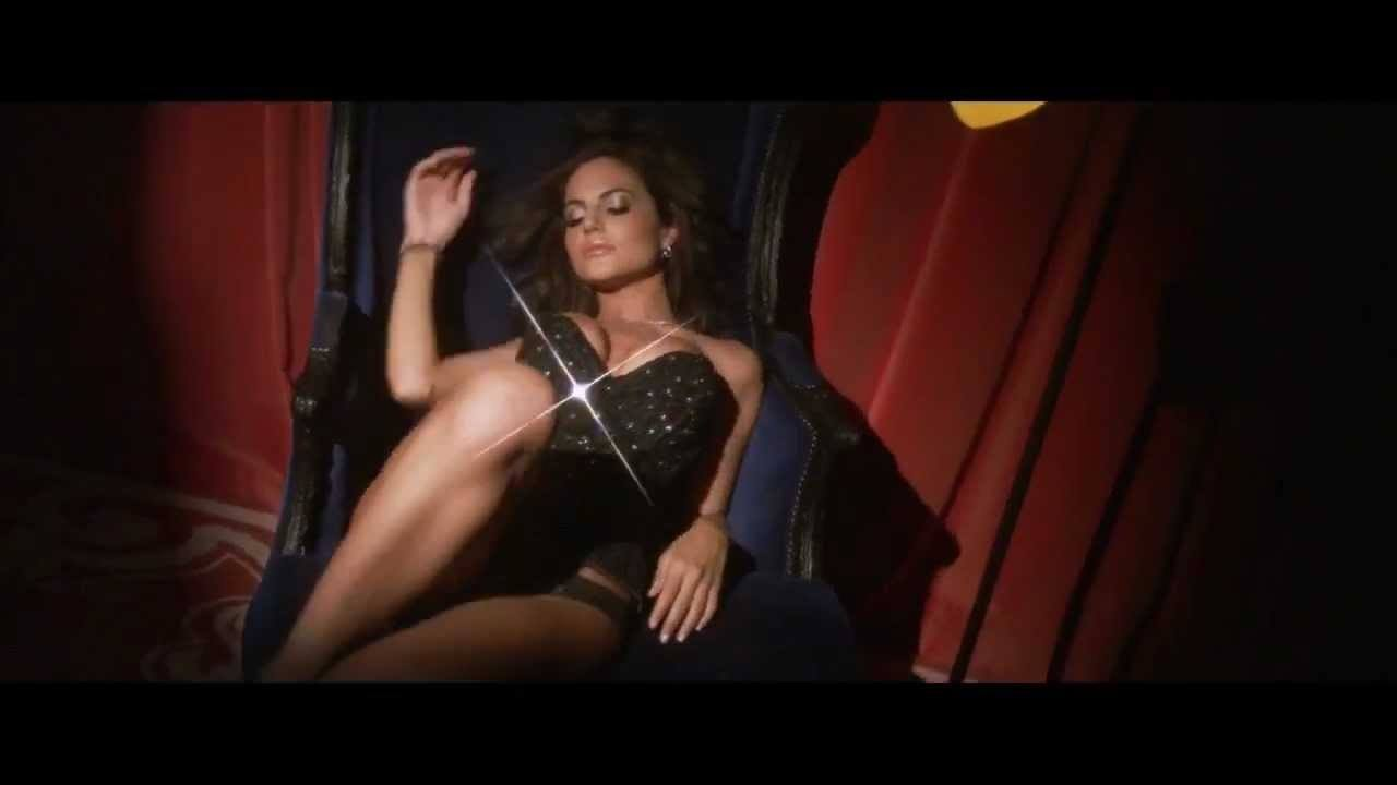 Video thumbnail for youtube video Hot Emily Ratajkowski GIFs You'll Want To See