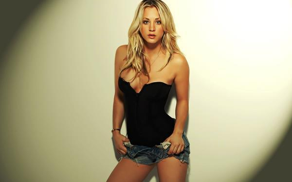 Hot Kaley Cuoco GIFs
