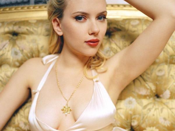 Hot Scarlett Johannson Photographs