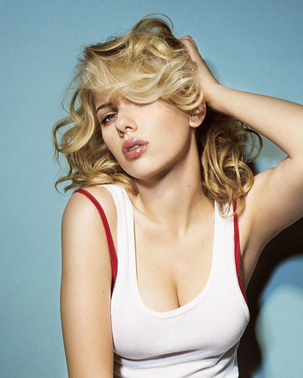 Scarlett Johansson Photos Messy