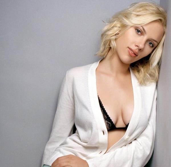 Sexiest Scarlett Johansson Photos