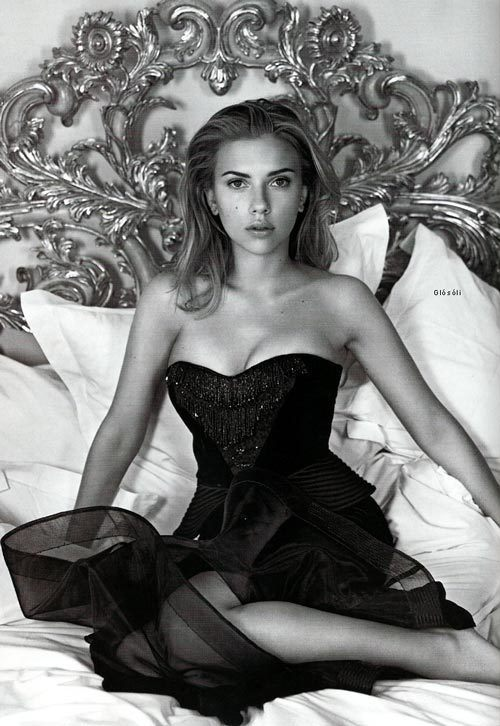 Sexy Scarlett Johansson Photos Black And White