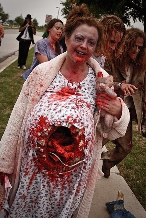 pregnant-zombie
