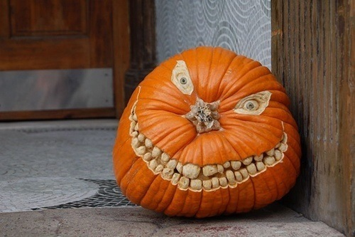 pumpkin-carvings-grin