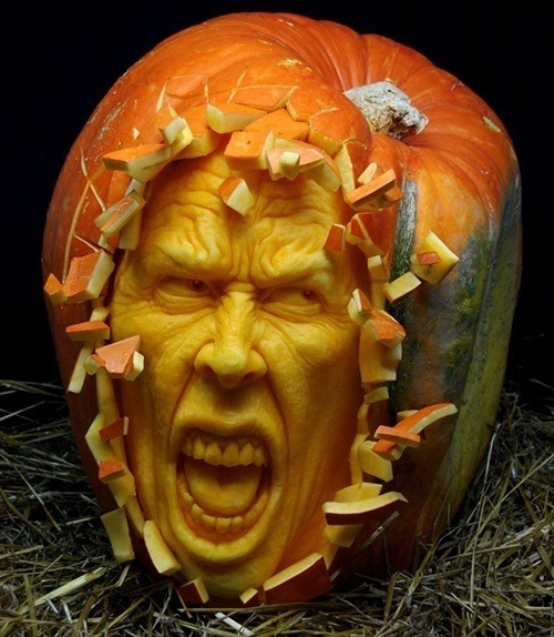 pumpkin-carvings-mad