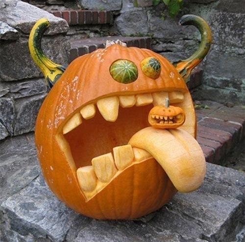 pumpkin-carvings-teeth
