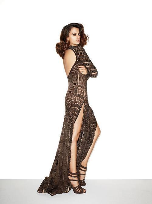 Penelope Cruz Legs In A Hot Dress