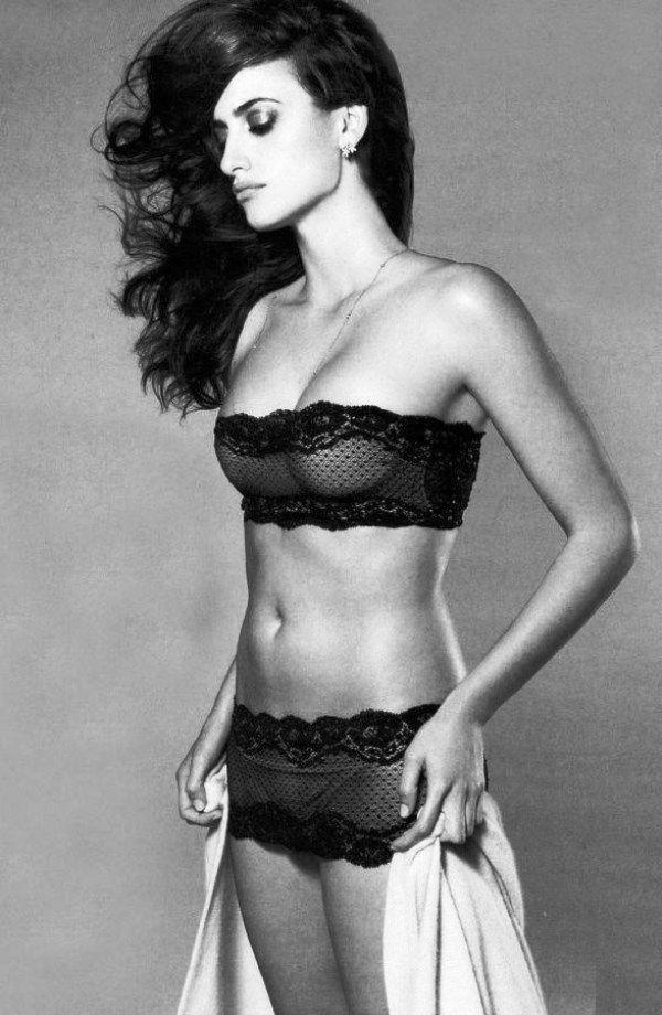Penelope Cruz Sexy Lingerie
