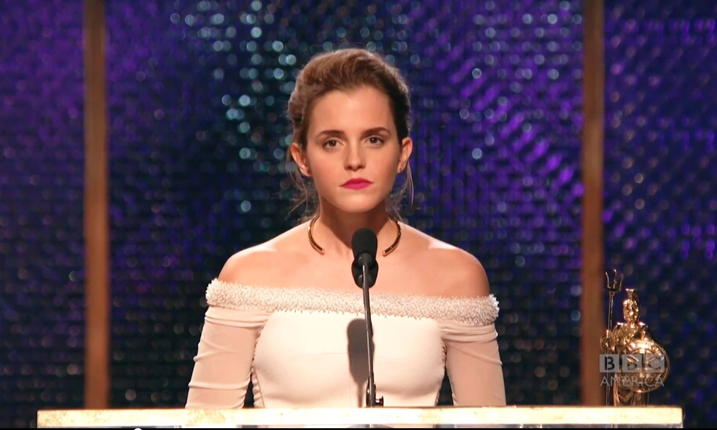 Watch Emma Watson Give The Most Awkward Shoutout While Accepting Her Award