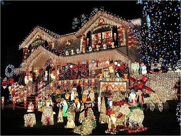 crazy-christmas-decorations-bear