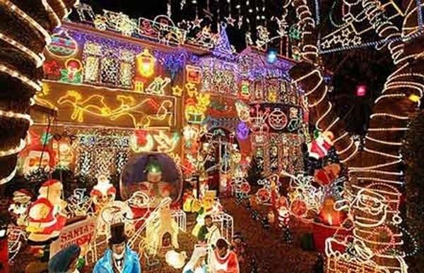 crazy-christmas-decorations-bright