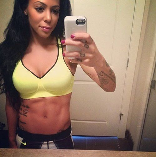 sydney-leroux-nails