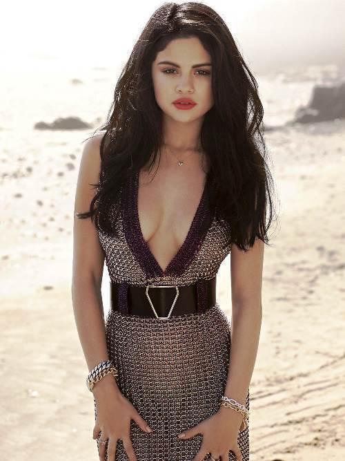 Selena Gomez Photos Lips