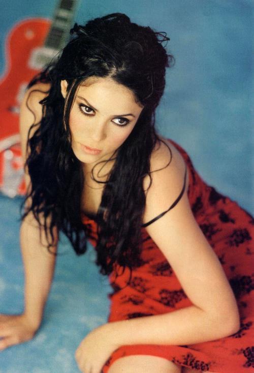 Young Shakira