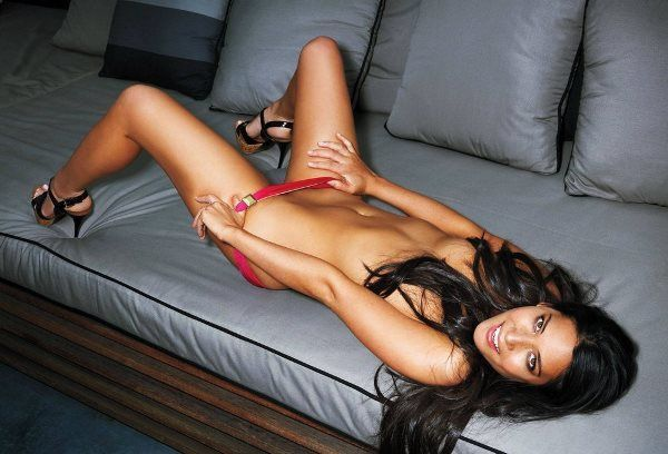 Hot Olivia Munn Photos
