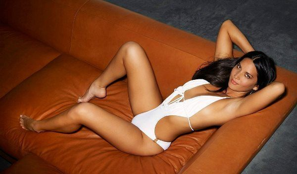 Hot Olivia Munn Pictures