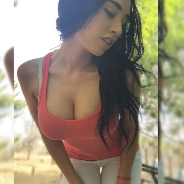 Paris Roxanne Hot Instagram Photos