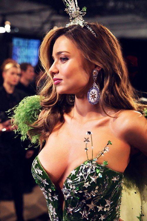 Sexy Miranda Kerr Pictures Boobs